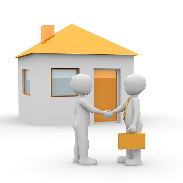 infographic showing agreement between seller and buyer shaking hands in front of house